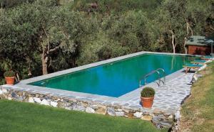 Как возвести самодельный бассейн