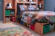 Как сделать кровать: простой проект из готовых полок