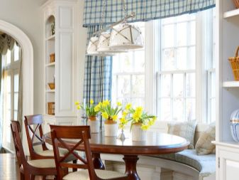 Эркерный диван на кухню