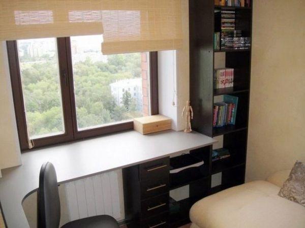 Стол у окна в детской комнате своими руками