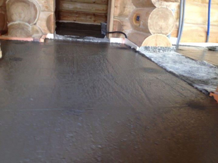 покрытие бетонного пола в бане